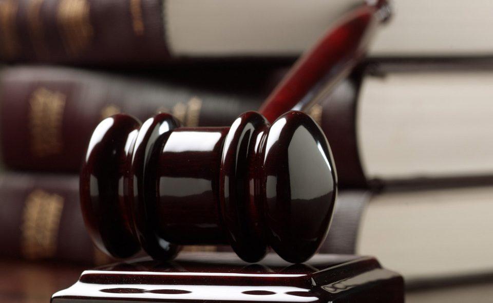 اهمیت پیگیری دفاع از اتهام انتسابی سرقت از طریق وکیل به چه مواردی مربوط می شود؟