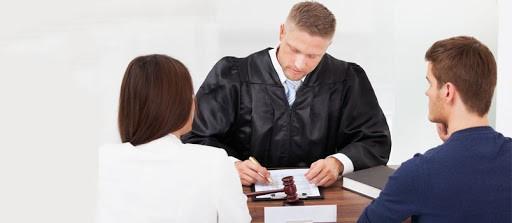 مهم ترین مواردی که در زمینه لایحه ی طلاق از طرف زوجه باید به آن توجه کرد کدام موارد می باشند؟