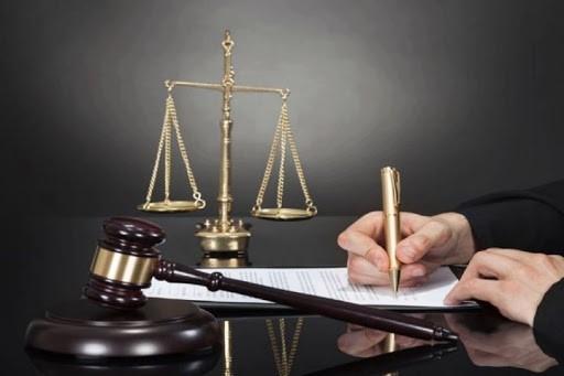 اعساری که برای پرداخت دیون در نظر می گیرند در دادگاه بررسی می شود