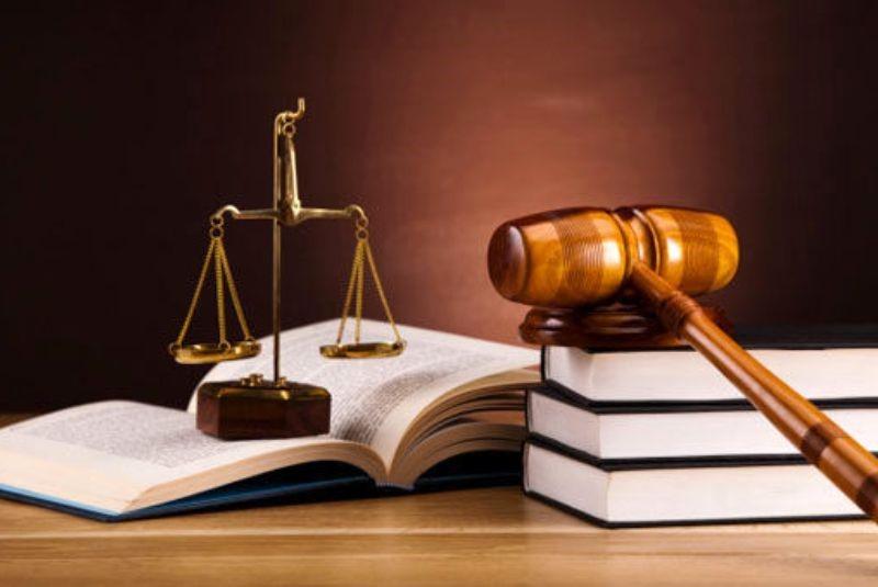در استشهادیه لازم است که فرد مدعی اعسار مشخص کند که به چه میزان درآمد دارد