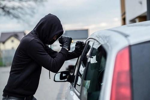 آیا در مورد دفاع از اتهام انتسابی سرقت اطلاعات کامل دارید؟