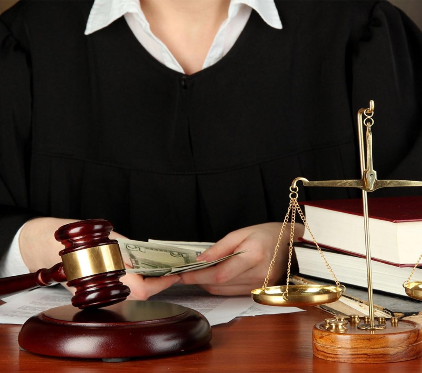 آیا استفاده از اعسار در زمینه ی قضایی فوایدی برای افراد دارد؟