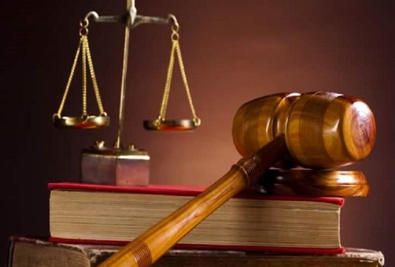 قاضی تا چه مدت زمانی فرصت دارد که شهادت کذب یا شرعی را تشخیص دهد؟
