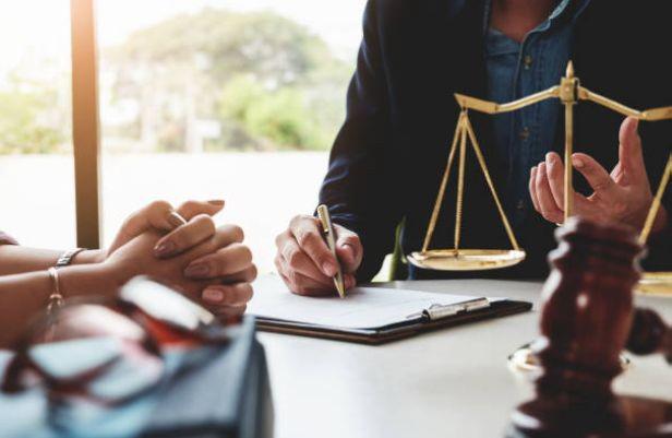 شناخت موسسات نسبت به پیچ و خم های عقد قرارداد