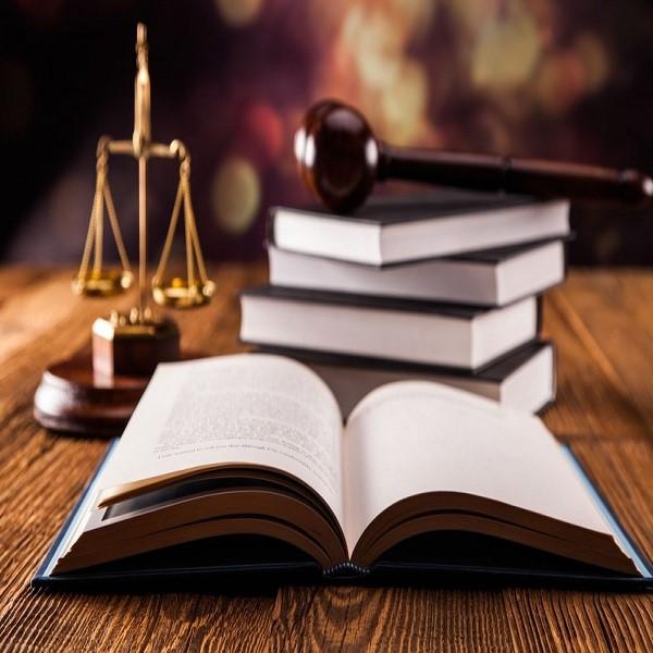 ویژگی های یک وکیل خوب